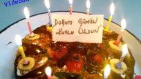 Çilekli Mum Işıklı Pasta Doğum Günü Kutlama