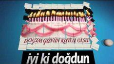 Domino taşlı doğum günü kutlama animasyonu